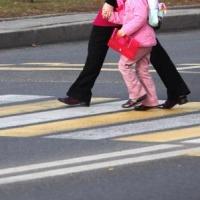 """В Омской области под """"шестёркой"""" пострадала мать с ребёнком"""