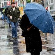 До конца недели омичи переживут штормовой ветер и перепады температуры