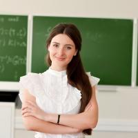 В школы и детские сады Омска в этом году пришли работать 266 молодых педагогов