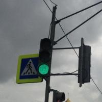 На одном из перекрестков Омска увеличат зеленый сигнал светофора