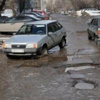 Омичи просят как можно скорее отремонтировать дороги в Нефтяниках