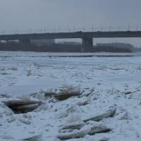 Самым опасным участком льда на Иртыше омские спасатели назвали береговую линию возле отеля «Маяк»