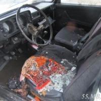 Ночная пьянка двоих омичей закончилась поджогом автомобиля