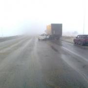 В Омской области корейская иномарка врезалась в грузовик