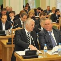 Омские депутаты предложили администрации сэкономить на СМИ