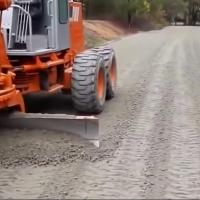 В Омске грунтовую дорогу отремонтируют по новой методике