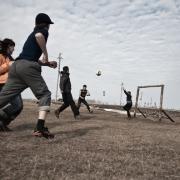 В Омской области подростка придавило футбольными воротами
