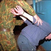 Омич задержал вооруженного насильника в Больших Полях