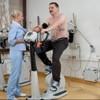 Около 1,5 тысяч омичей прошли реабилитацию после инфарктов и инсультов