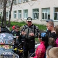Омские байкеры рассказали детям о правилах дорожной безопасности