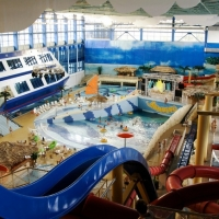 В Омске проверяют горки в новом аквапарке