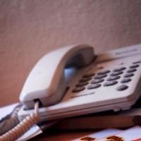 Накануне выходных омичам напоминают полезные телефоны