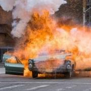 """В Омске у """"Казачьей слободы"""" взорвался автомобиль"""