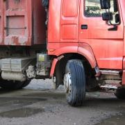 В Омской области пешеход погиб под колёсами фуры