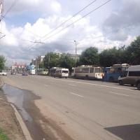 В центре Омска встали троллейбусы (фото)