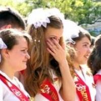 Омским школьникам придётся отмечать выпускной в один день