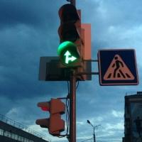 В Омске шесть светофоров оборудовали звуковыми сигналами
