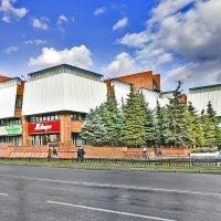 В центре Омска открыли бесплатный летний кинотеатр