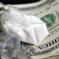 Двух омичей приговорили к 10 и 11 годам колонии за торговлю наркотиками