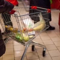 В Омской области подешевел продуктовый набор