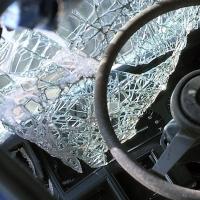 На омской трассе автоледи не справилась с управлением