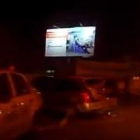 В Омске у «Меги» ЗИЛ расплющил иномарку