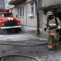 В Омске загорелась пятиэтажка