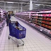 Омич украл в гипермаркете алкоголь и оказался с травмами в больнице