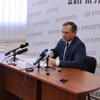 Дорогие авто для омских чиновников покупают по закону