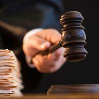 Омича, взявшего в заложники годовалого ребенка, отдадут под суд