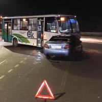 В аварии с омским автобусом и легковушкой пострадала трехлетняя девочка
