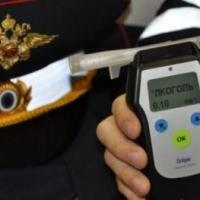 В Омской области полицейский попался на езде в пьяном виде