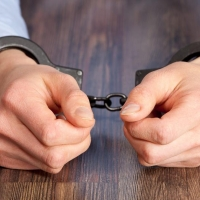 Инспектор ГИБДД сел на три года из-за взяток на 45 тысяч рублей