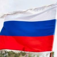 Фотосессия для омичей с флагом России пройдет в каждом округе города