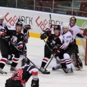 Омские хоккеисты одержали первую победу в межсезонье