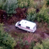 Омич заметил водителя скорой, сливающего бензин возле второй больницы