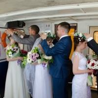 В Омске церемонию бракосочетания провели на теплоходе
