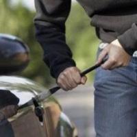 В Черлакском районе Омской области из машины украли сварочный аппарат