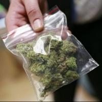 Омского полицейского оштрафовали на 10 тысяч за сфабрикованное дело о наркотиках
