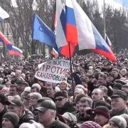 Россия готова ввести войска на восток Украины