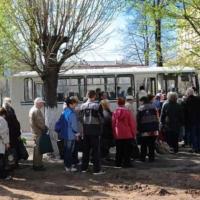 Омичи недовольны отменой дачных автобусов