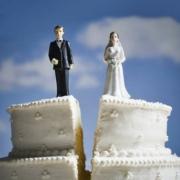 Более половины омских браков завершаются разводами