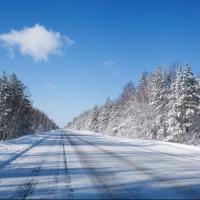 Пассажиры рейсового автобуса из Омска едва не замерзли на автодороге в Казахстане