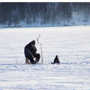 В Омской области три рыбака отравились угарным газом