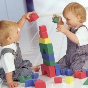 В Омской области планируют строить быстровозводимые детские сады
