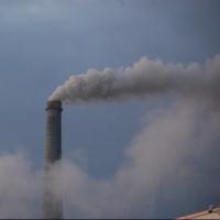 Омским предприятиям порекомендовали уменьшить выбросы в безветренную погоду