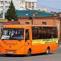 На одном из популярных маршрутов в Омске стали реже ходить автобусы