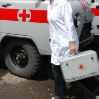 В Омске трезвый водитель УАЗа сбил мужчину с ребенком на руках