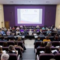 Некоммерческие организации Омской области могут стать партнерами госучреждений в сфере соцуслуг