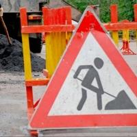 За сутки на дорогах Омска уложили более 300 тонн асфальтобетона